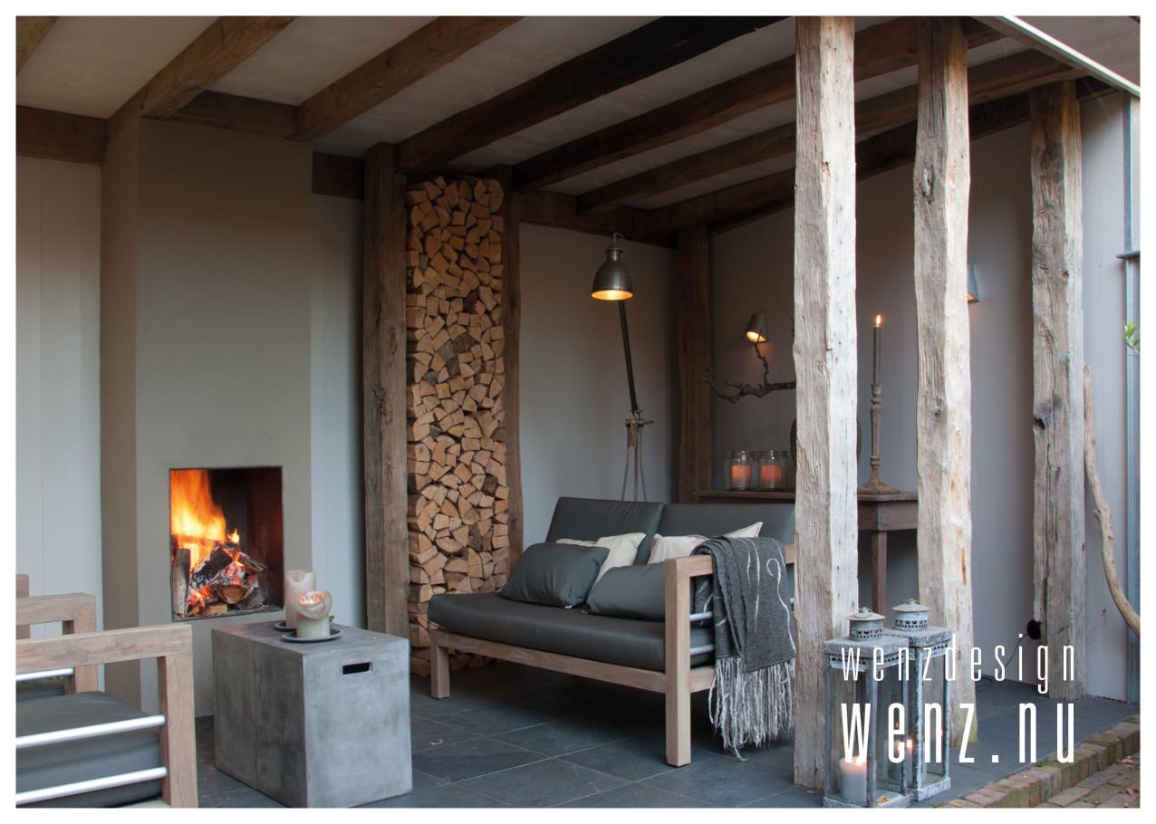 knusse veranda als loungeplek wenzdesign exclusief ontwerp en realisatie van buitenleven en. Black Bedroom Furniture Sets. Home Design Ideas